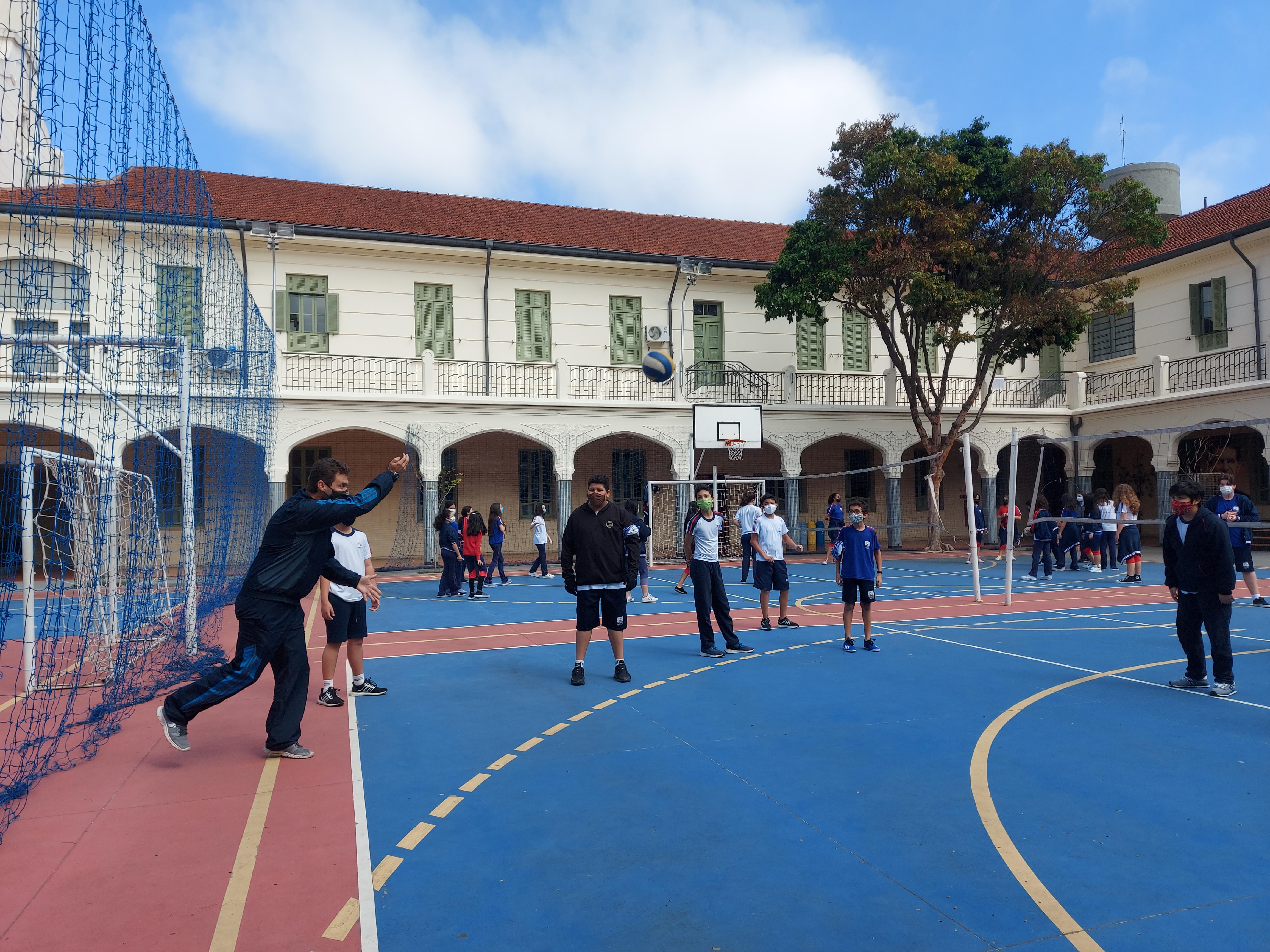 Alunos do Ensino Fundamental II e Médio celebram o Dia das Crianças e o Dia da Comunidade Educativa em manhã especial