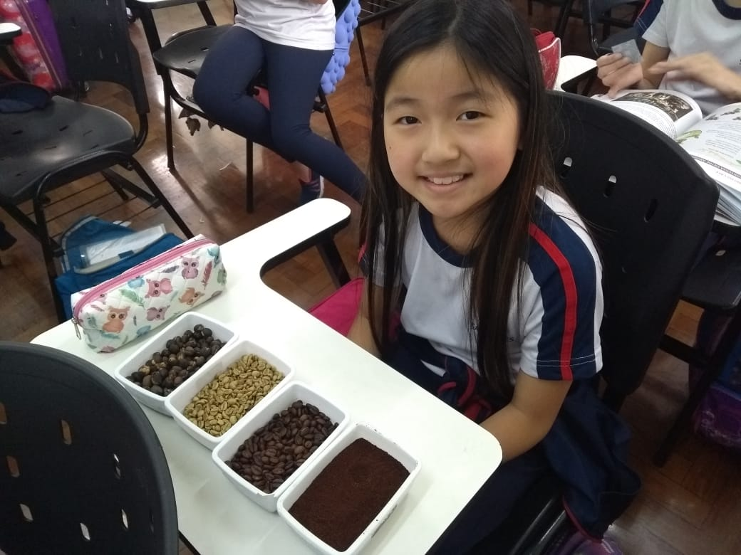 4º ano do Ensino Fundamental realiza atividade sensorial